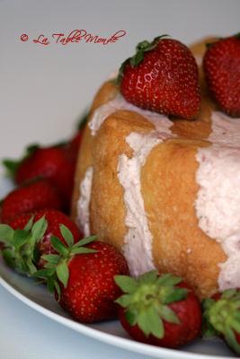 Charlotte aux fraises pour un premier anniversaire tout fraise...