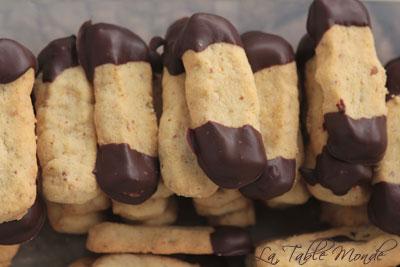 Bâtonnets aux noix glacés au chocolat noir : Bredele