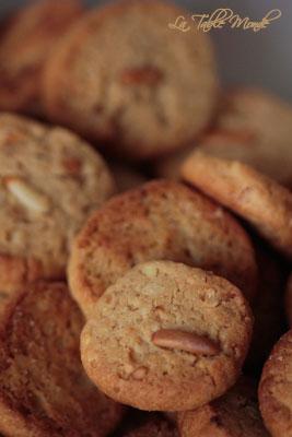 Bredele au beurre de cacahuètes et aux pignons de pin
