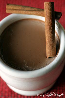 Yaourt au chocolat, cannelle et basilic